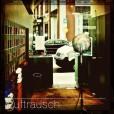 LFR-CD01-SmallShop-NoCustomer-PedestriansOutside